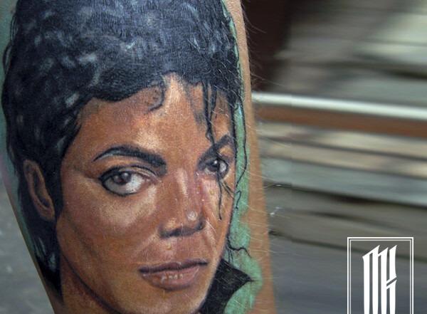 татуировка майкл джексон портрет